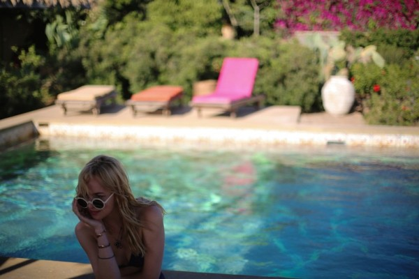 5 clips of a bigger splash teaser trailer for A bigger splash movie